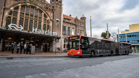 Haarlem Airport Express (300): enkele reis van/naar het centrum van Haarlem