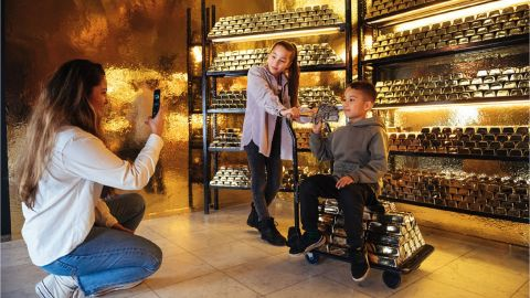 Youseum Amsterdam   Family ticket ( 2 adults + 2 or 3 kids)