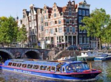 Blue Boat Company City Canal Cruise - Dock Hard Rock Café