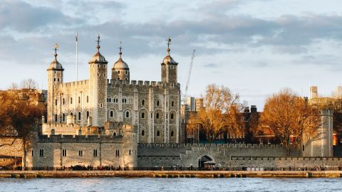 London In One Day Tour with River Cruise