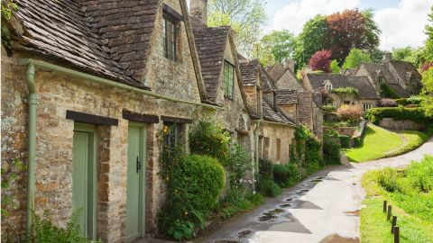 Cotswolds Small Group Tour with Lunch option
